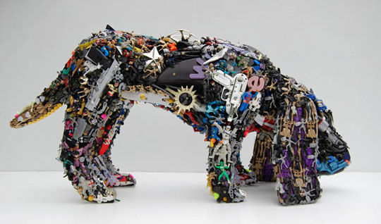 recycled-toy-sculptures-3
