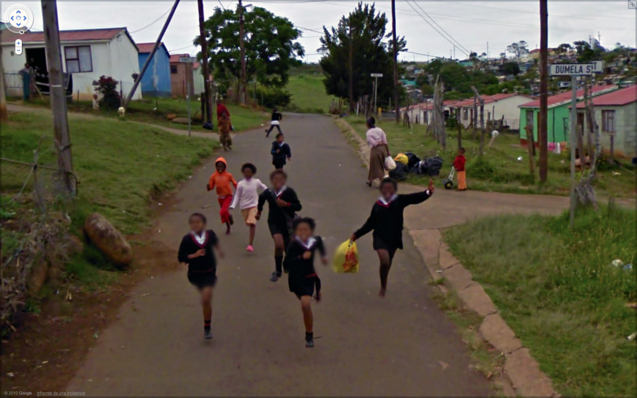 Best of 2013: What One Finds on Google Street View : tumblr_lcsxlzWsGX1qzun8o.jpg