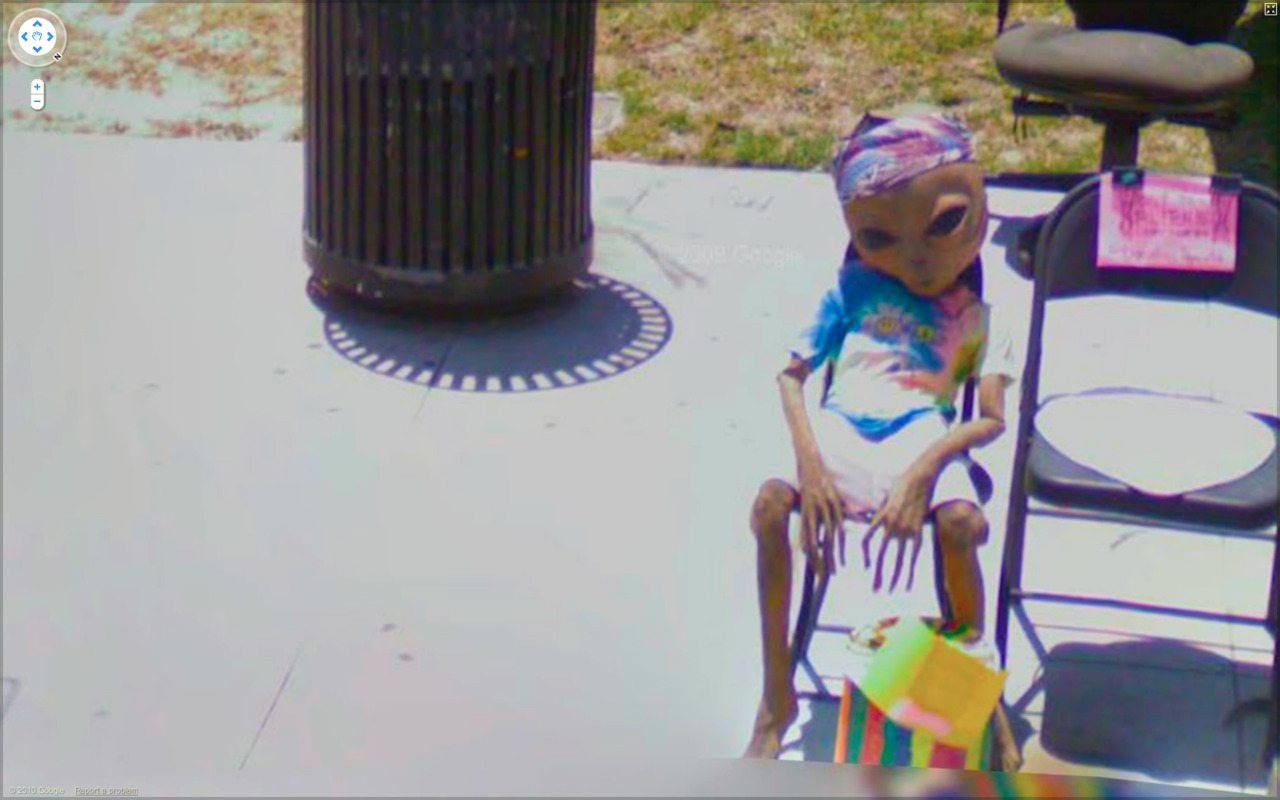 Best of 2013: What One Finds on Google Street View : tumblr_lcxlzbKLb11qzun8o.jpg