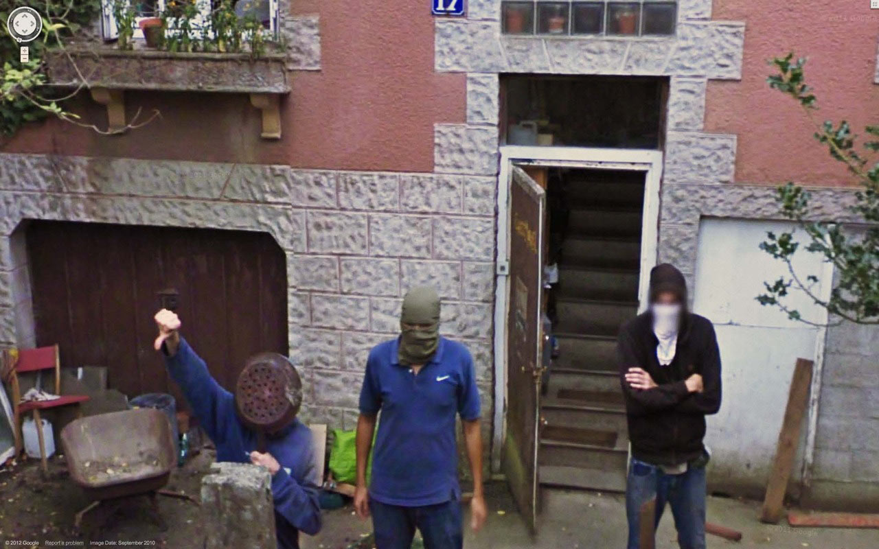 Best of 2013: What One Finds on Google Street View : tumblr_mm3vdcjx2j1qzun8oo1_1280.jpg
