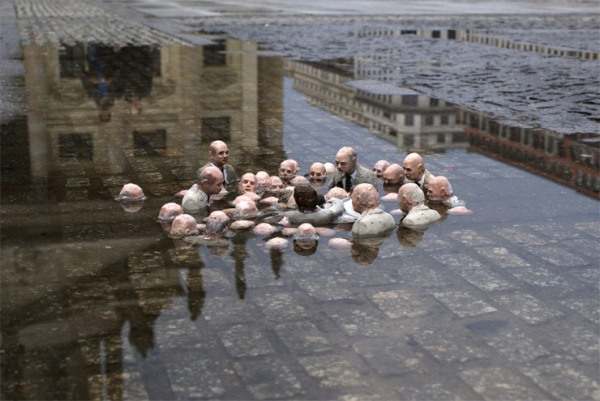 The Cement Eclipses Series by Isaac Cordal: isaac_cordal_11_20110517_1915400377.jpg