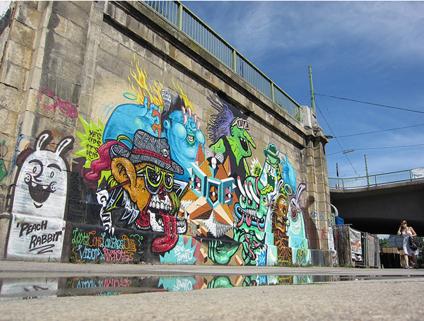 In Street Art: Berlin's Low Bros in Vienna: low_bros_6_20110614_1244535097.png