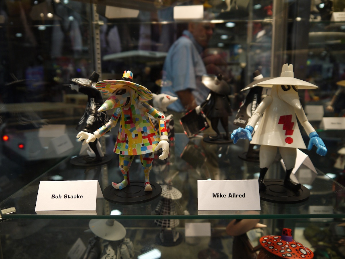 Comic Con 2011: Mad Magazine Celebrates 50 Years of Spy vs Spy: comic_con_2011_mad_magazine_50_years_2_13_20110722_1578131716.jpg