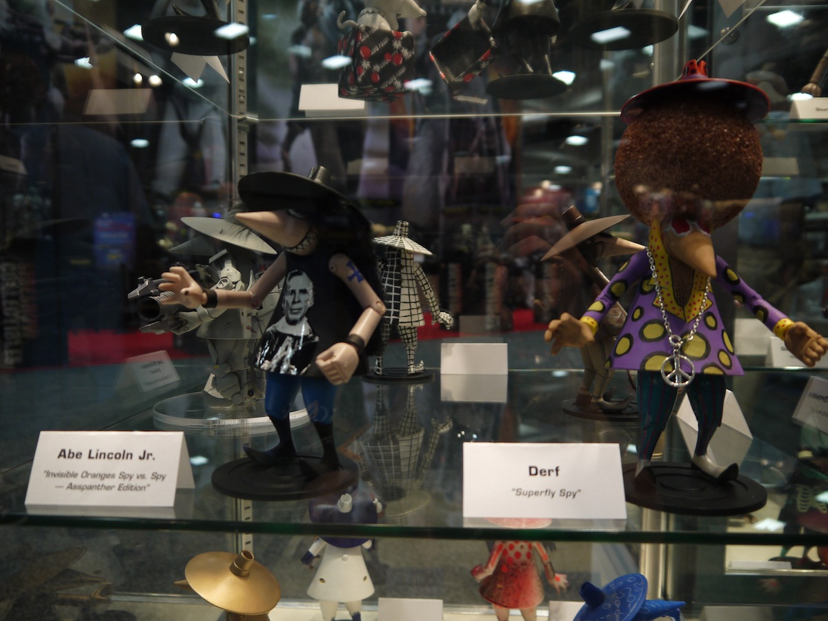 Comic Con 2011: Mad Magazine Celebrates 50 Years of Spy vs Spy: comic_con_2011_mad_magazine_50_years_2_14_20110722_2038321111.jpg