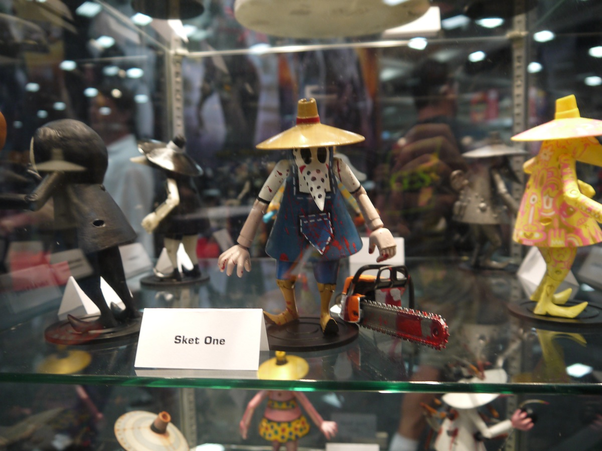 Comic Con 2011: Mad Magazine Celebrates 50 Years of Spy vs Spy: comic_con_2011_mad_magazine_50_years_2_5_20110722_1200370846.jpg