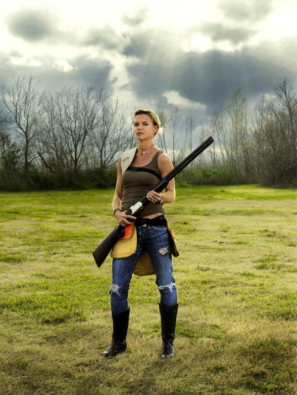 Chicks With Guns: Photographs by Lindsay McCrum: chicks_with_guns_1_20110816_1821487070.jpg