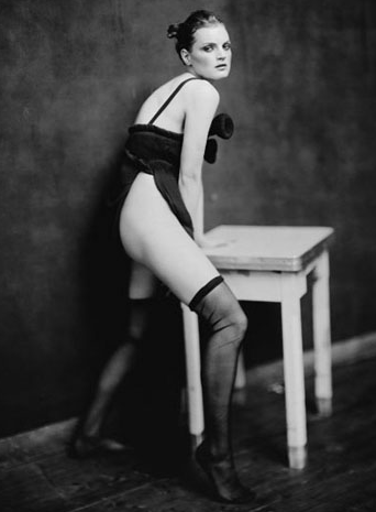 Paolo Roversi Photography: paolo_roversi_16_20110818_1568126617.png