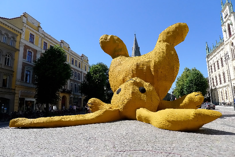 Big Yellow Rabbit by Florentijn Hofman: big_yellow_rabbit_13_20110823_1485735794.jpg