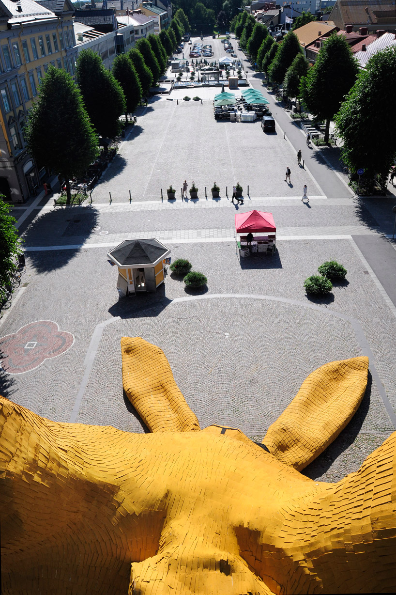 Big Yellow Rabbit by Florentijn Hofman: big_yellow_rabbit_9_20110823_1949567018.jpg