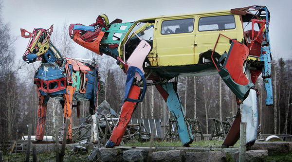 Cows Made Of Recycled Car Parts: cows_recylced_car_parts_11_20110903_1536372193.jpg