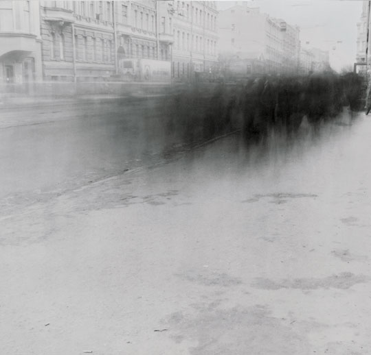 City of Shadows: Soviet Union Collapse Documented in 1991: city_of_shadows_24_20110905_1475714119.jpg
