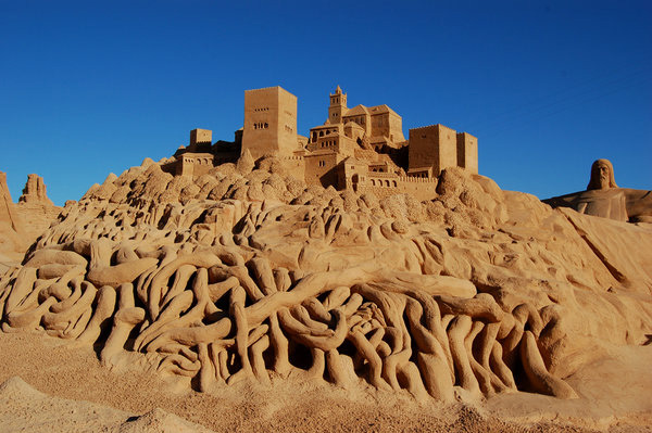 In Street Art: Sand Sculptures from Around the World: sand_sculptures_across_the_world_16_20111009_1222093832.jpg