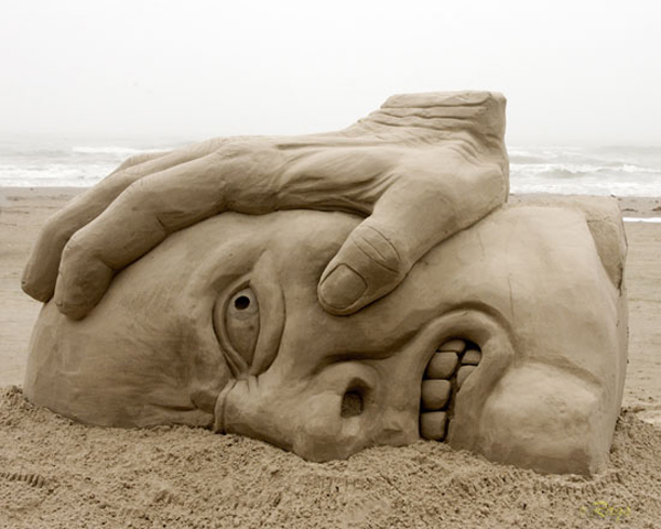Click to enlarge image sand_sculptures_across_the_world_5_20111009_1327226851.jpg