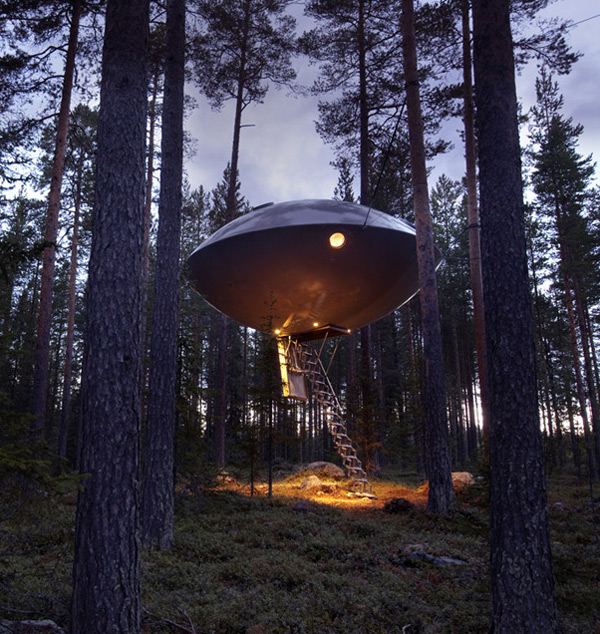 UFO Treehouse at Treehotel, Sweden: ufo_treehouse_1_20111026_1794177987.jpg