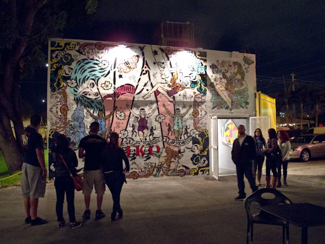 Art Basel: Wynwood Walls at Night: wynwood_walls_night_11_20111201_1425693420.jpg