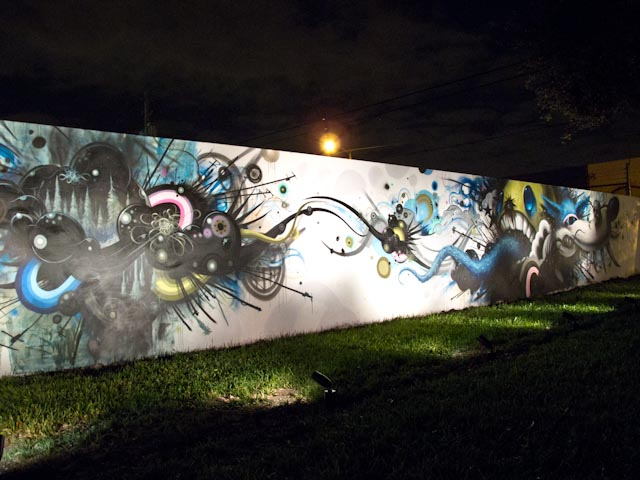Click to enlarge image wynwood_walls_night_26_20111201_1418938578.jpg