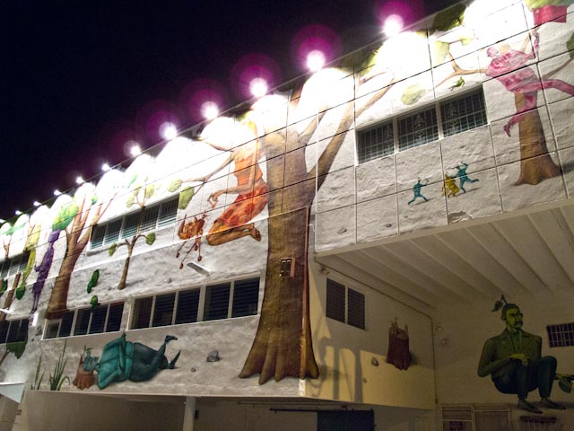 Click to enlarge image wynwood_walls_night_32_20111201_2026443622.jpg