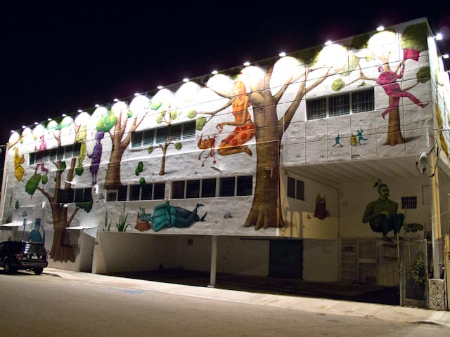 Click to enlarge image wynwood_walls_night_36_20111201_2075156509.jpg