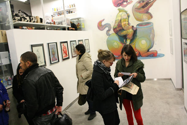 Aryz: Mural and Exhibition @ Montana Gallery and Shop, Lisbon: aryz_lisbon_14_20111209_1699032946.jpg