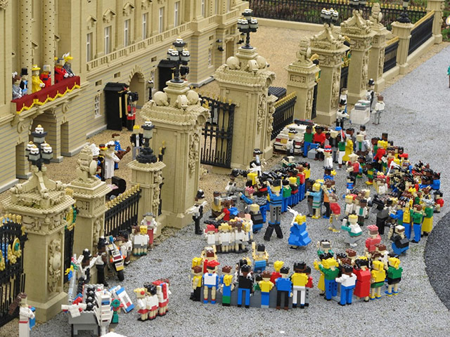 2011 In Review In Lego: year_in_review_in_lego_15_20111213_1680377722.jpg