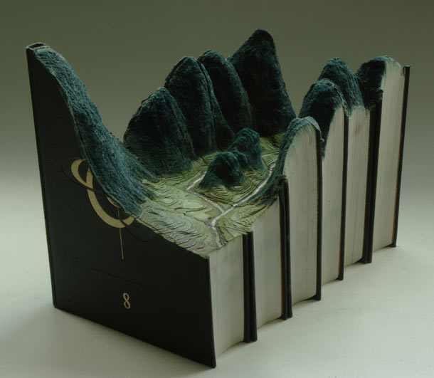 Carved Landscapes in Books by Guy Laramee: guy_laramee_10_20111222_1122769325.jpg