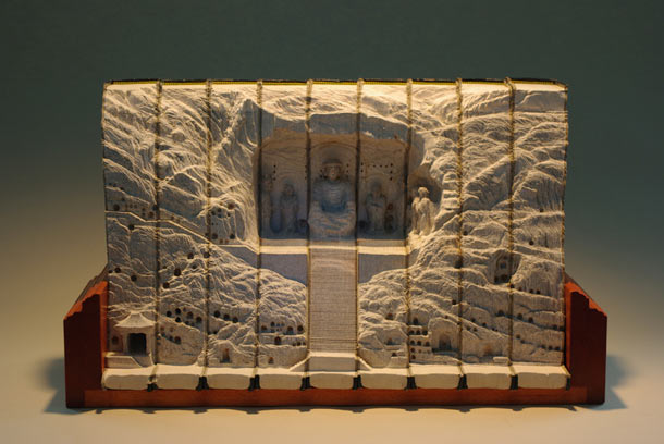 Carved Landscapes in Books by Guy Laramee: guy_laramee_18_20111222_1286463240.jpg