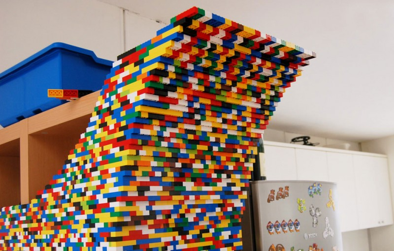 9-Foot LEGO Wall to Divide An Office: lego_wall_12_20120107_1749169119.jpg