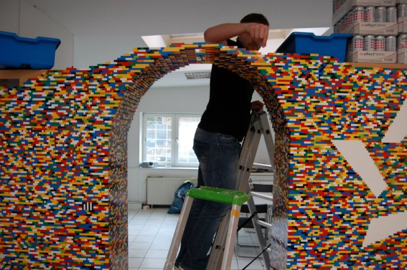 9-Foot LEGO Wall to Divide An Office: lego_wall_29_20120107_1304052776.jpg
