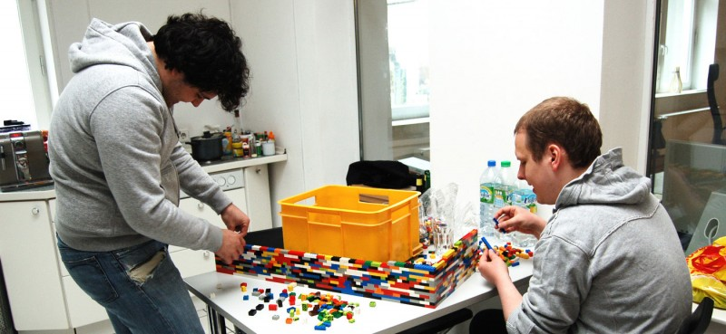 9-Foot LEGO Wall to Divide An Office: lego_wall_3_20120107_2097509959.jpg