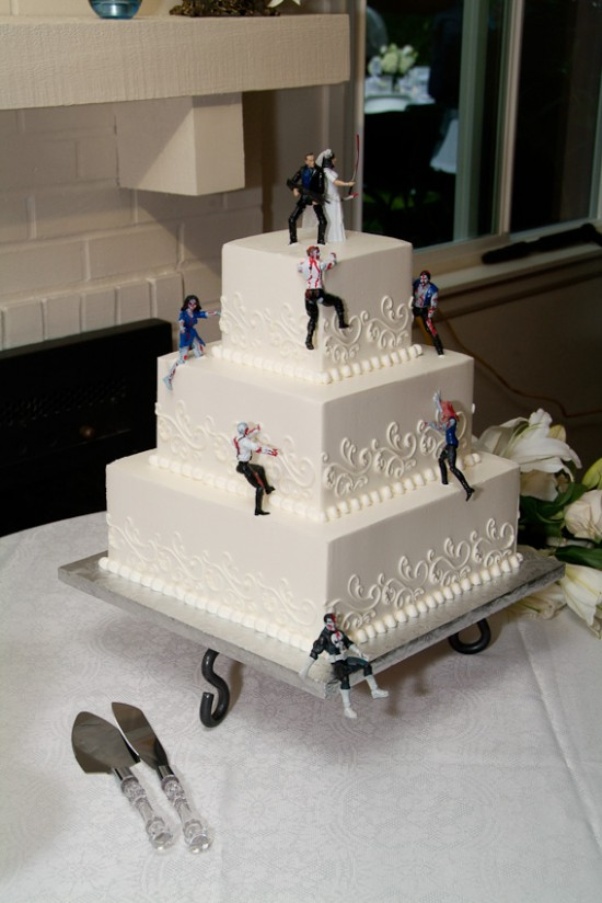 The Rise of Zombie Wedding Cakes: zombie_cakes_8_20120113_1406771259.jpg