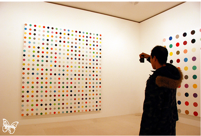 Opening: Damien Hirst Spot Paintings @ Gagosian, Paris: hirst_in_paris_16_20120117_1572294223.png