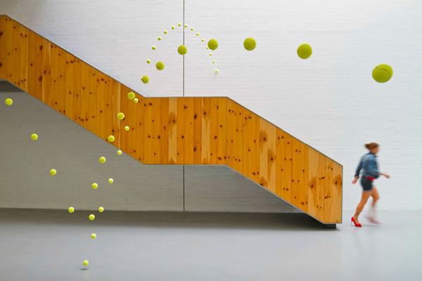 How to Bounce 2,000 Tennis Balls Without Bouncing Them: tennis_balls_7_20120302_1099365414.jpg