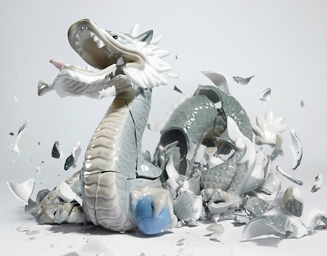Porcelain Fighters Dropped, Photographed by Martin Klimas: martin_klimas_13_20120305_1718562524.jpg