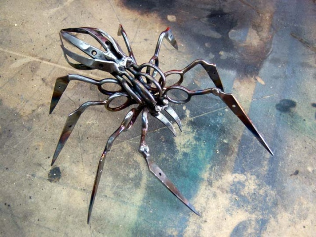 Scissor Spiders by Christopher Locke: christopher_locke_5_20120402_1593910674.jpg