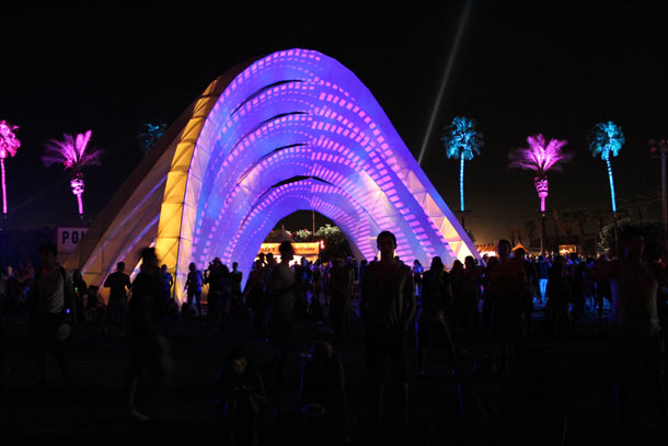Click to enlarge image coachella_2012_14_20120510_1975394679.jpg