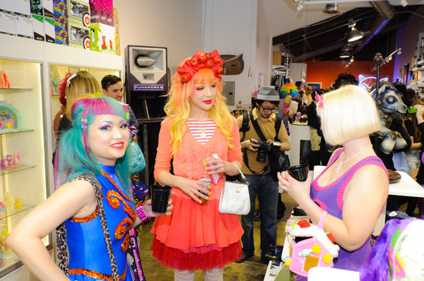Recap: My Little Pony @ Toy Art Gallery, Los Angeles: my_little_pony_recap_108_20120517_1786708263.jpg