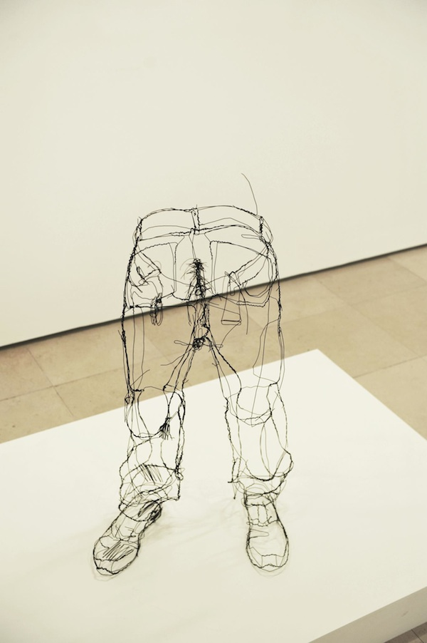 """Floating"" Wire Sculptures by David Oliveira: david_oliveira_11_20120608_1993896576.jpg"