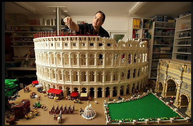 The World's First Lego Colosseum by Ryan McNaught: lego_colosseum_5_20120712_1781294657.jpg