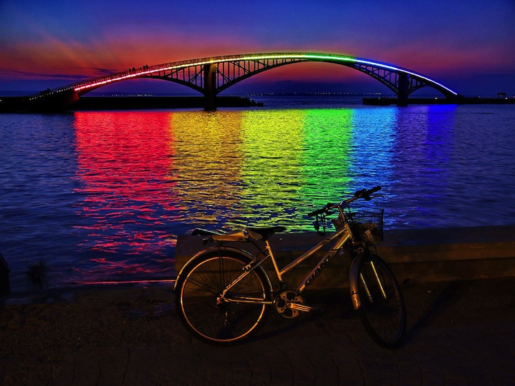 The Xiying Rainbow Bridge, Taiwan: xiying_rainbow_bridge_5_20120812_1921055511.jpg