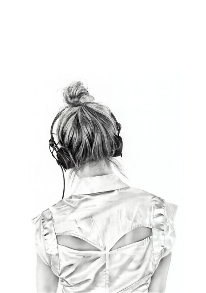 Girls with Headphones: yanni_floros_16_20120821_1043779443.jpeg