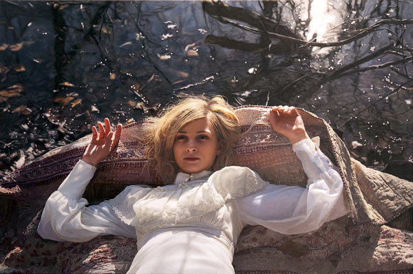 More Photoreal Works from Yigal Ozeri: yigal_ozeri_new_13_20121016_1932586026.jpg