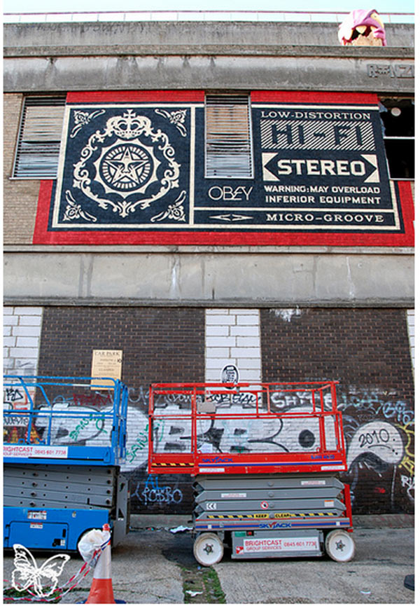 Click to enlarge image shepard_fairey_10_20121021_1696149978.jpg