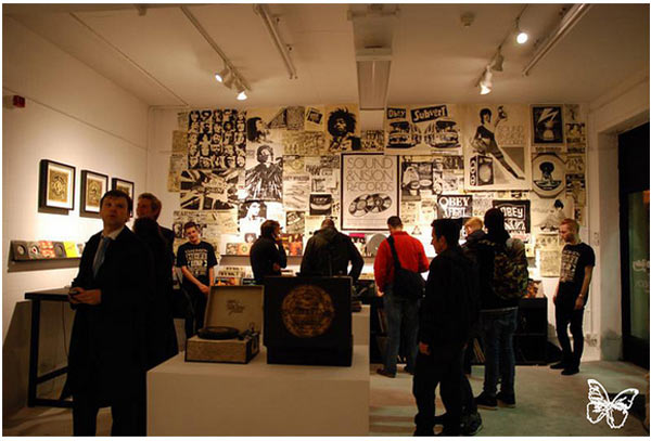 "Opening: Shepard Fairey ""Sound & Vision"" @ Stolenspace, London: shepard_fairey_22_20121021_1543218950.jpg"
