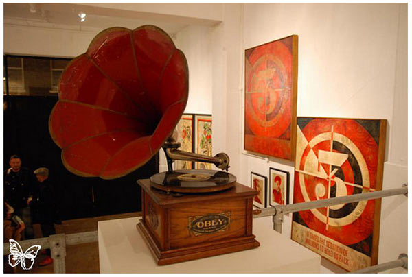 "Opening: Shepard Fairey ""Sound & Vision"" @ Stolenspace, London: shepard_fairey_32_20121021_1117701452.jpg"