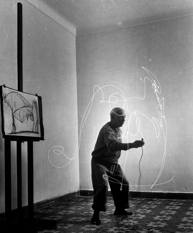Picasso: Light Drawings: light_drawings_4_20121213_1895619667.jpeg