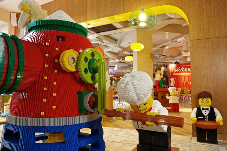 Yes, Yes, Yes!: The LEGO Hotel.: lego_hotel_13_20130124_1940575580.jpg