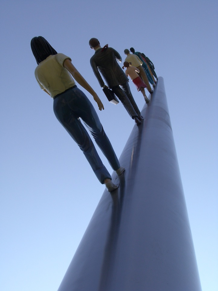 """Walking to the Sky,"" Sculptures by Jonathan Borofsky: jonathan_borofsky_13_20130218_1838701088.jpg"