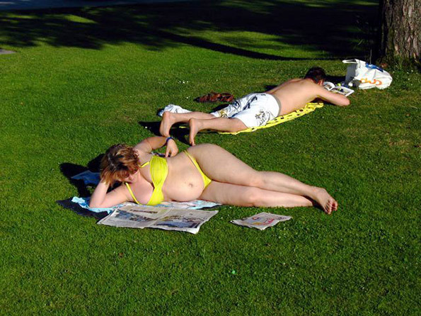 Tanning in Public: tanning_12_20130221_1239458230.jpeg