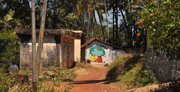 Multiple murals painted by AEC of Interesni Kazki in India: jux_ interesni_waone14.jpg