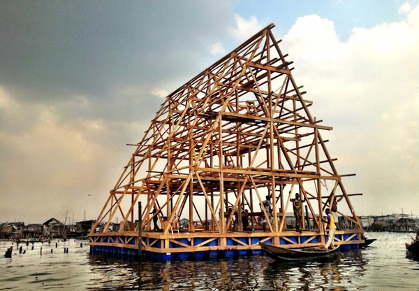 Makoko Floating School in Nigeria: jux__Makoko_Floating_School_4.jpg